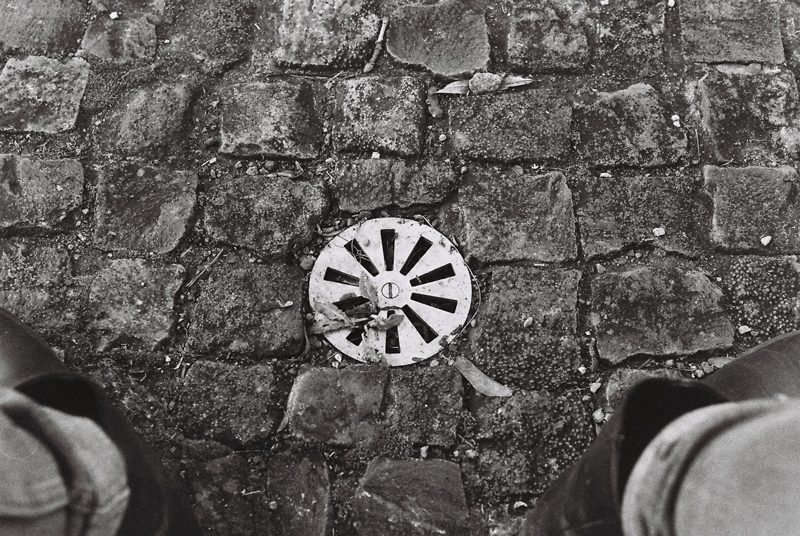 scale-drain-and-shoes-black-and-white-berlin